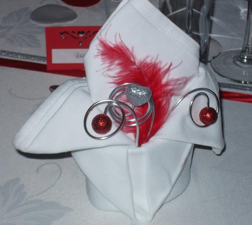 Simple menu plan de tables pliage de serviette et dco with pliage serviette costume - Pliage serviette costume ...