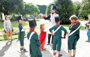 Visites de Napoleonville en costumes